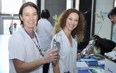 """Donación a la campaña """"Recicla tu Navidad"""". Hospital Clínico San Carlos"""