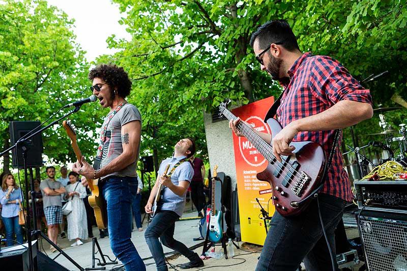 Concieros al aire libre por El día mundial de la Música